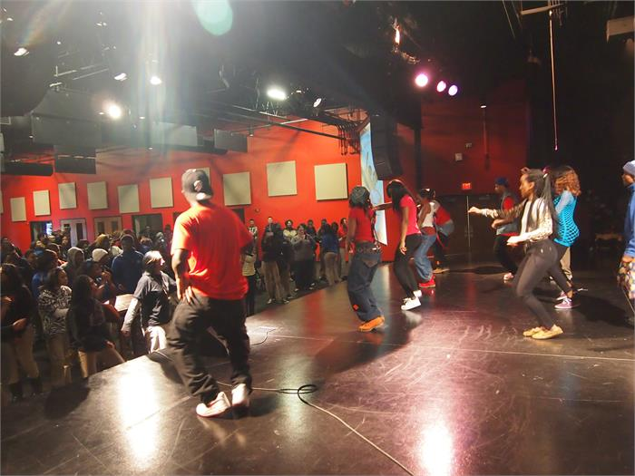D-Low Shuffle, full cast and audience